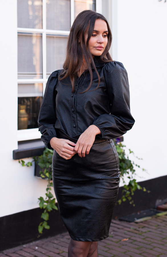 Abby-Leather-Skirt-Black-2
