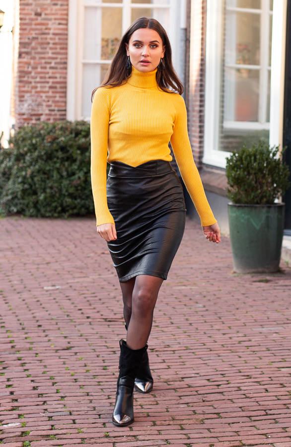 Abby-Leather-Skirt-Black-7