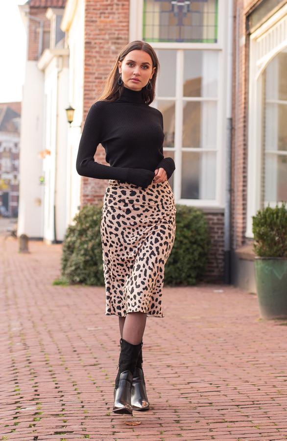 Annelot-Sweater-Black-6