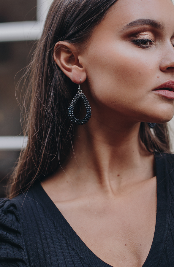 Bella-Oval-Earrings-Black-1-1