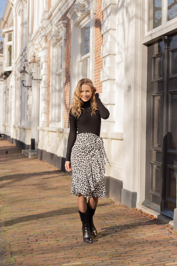 Emily-leopard-skirt-1
