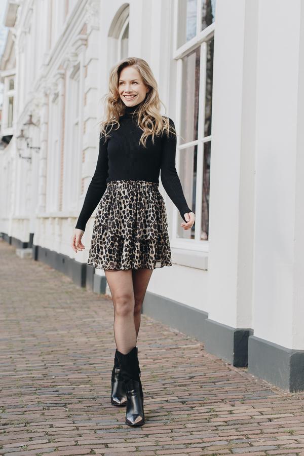 Jill-leopard-skirt-2