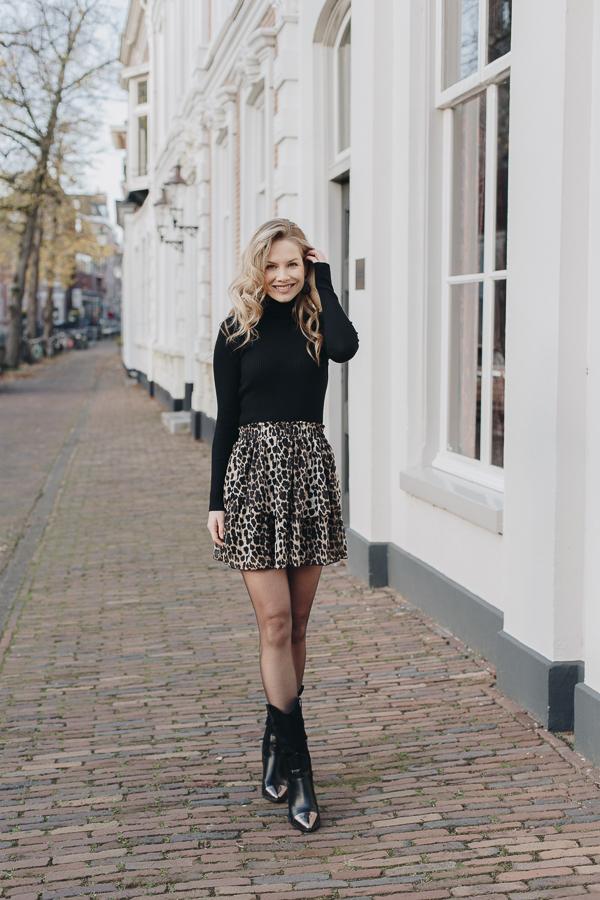 Jill-leopard-skirt-3