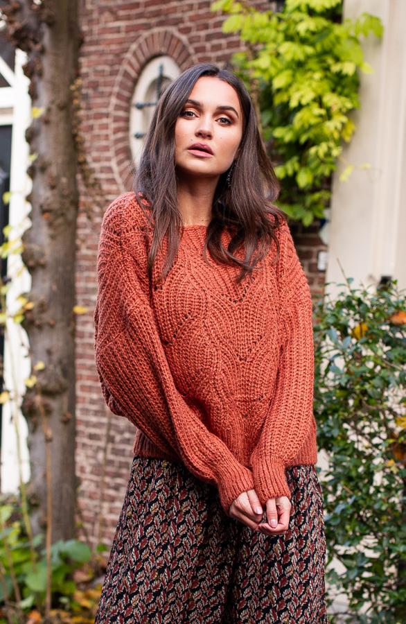 Yara-Sweater-Terracotta-1