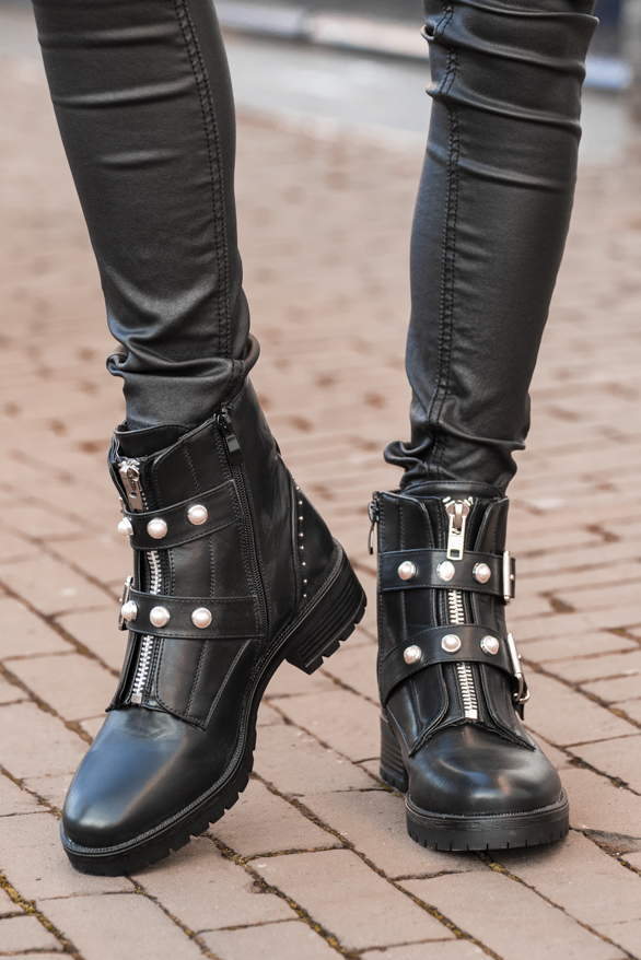 Alice-Biker-Boots-Parel-1