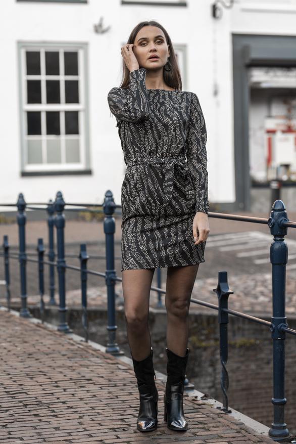 Anna-Strikjurk-Sterren-Zwart-1-1