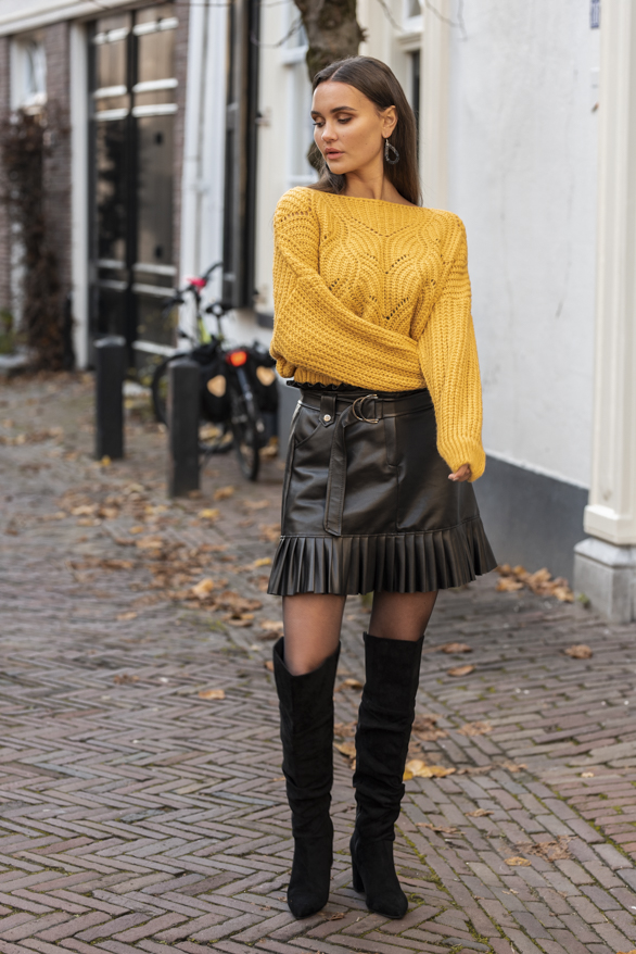 Camila-Leren-Rok-Zwart-2