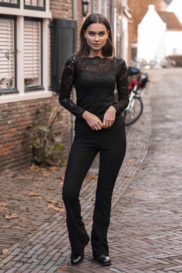 Celina-Kanten-Sleeve-Zwart-1