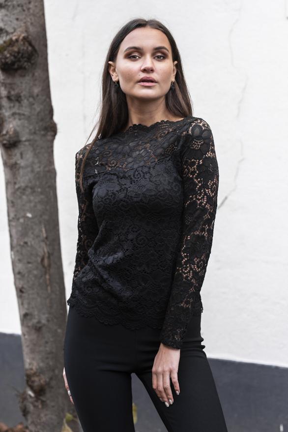 Celina-Kanten-Sleeve-Zwart-2