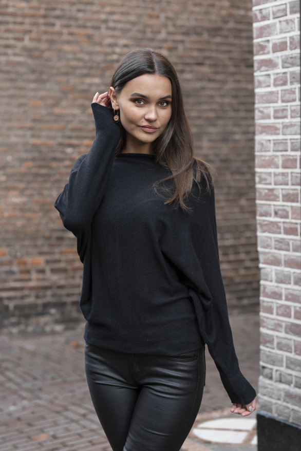 Debby-Sweater-Black-2