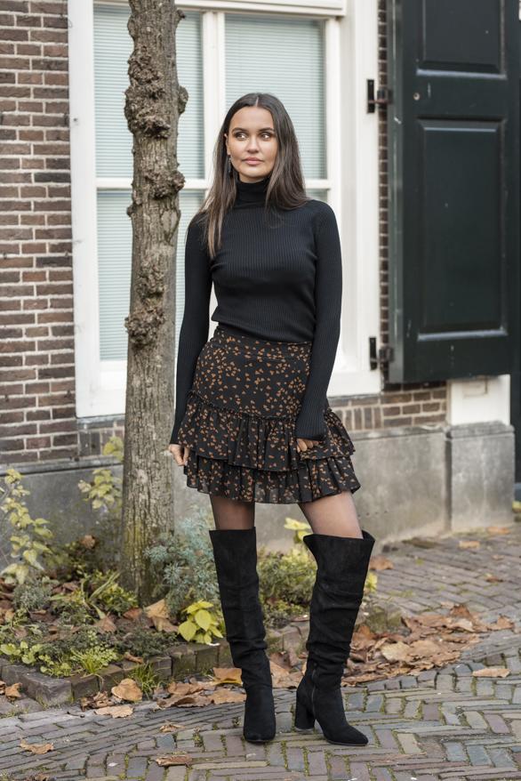 Mandy-Hearts-Skirt-Black-1