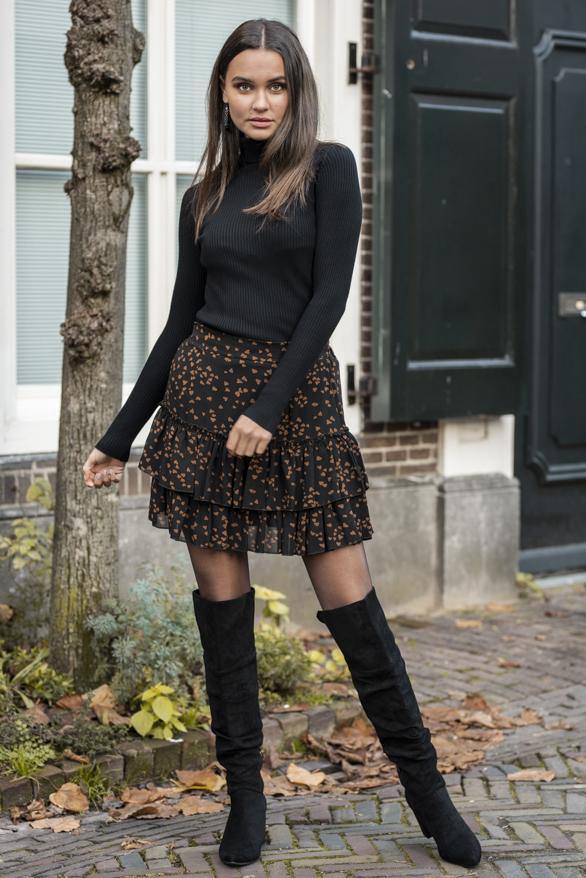 Mandy-Hearts-Skirt-Black-2