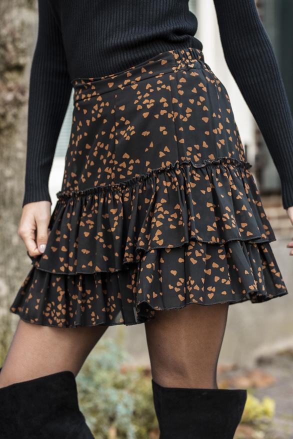 Mandy-Hearts-Skirt-Black-3
