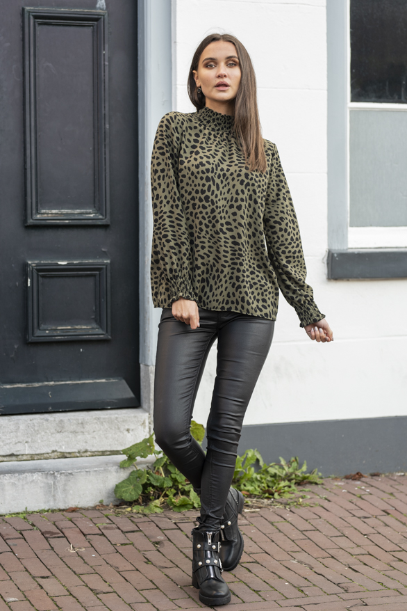 Mayra-Cheetah-Blouse-Groen-2-1