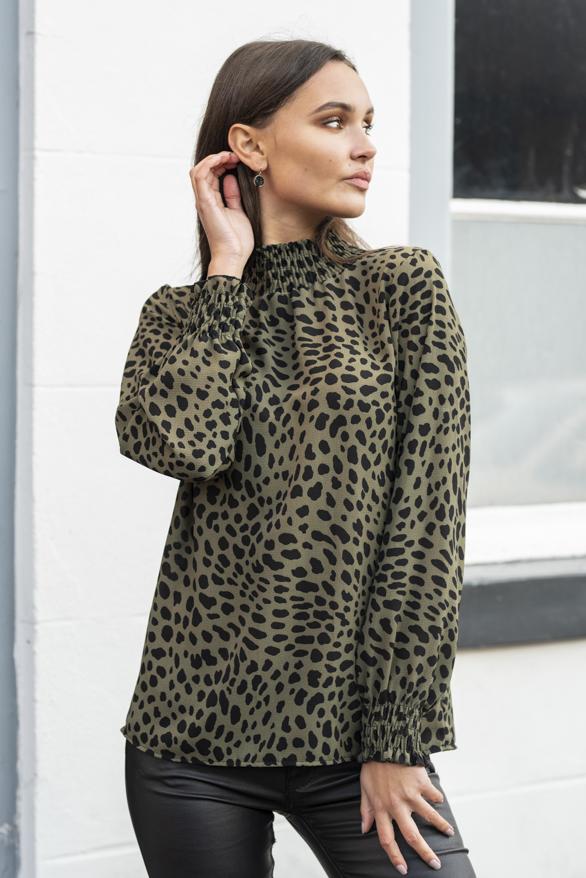 Mayra-Cheetah-Blouse-Groen-3