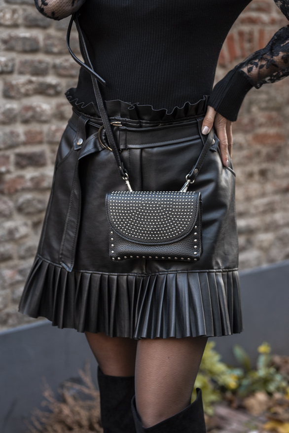 Milly-Clutch-Studs-Zwart-1