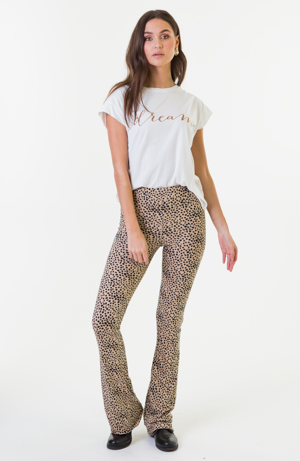 Janine-Flared-Broek-Cheetah-1