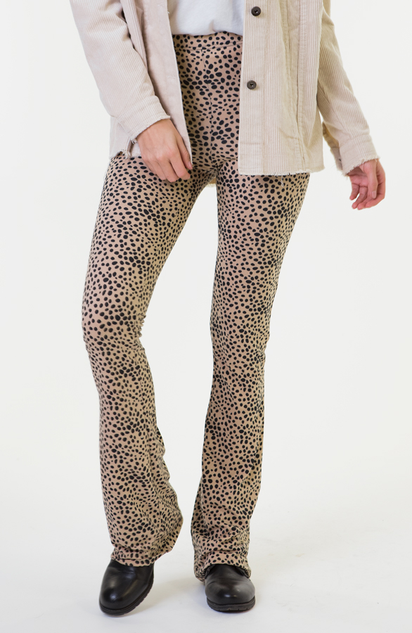 Janine-Flared-Broek-Cheetah-5